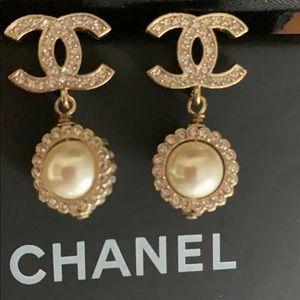 🎈Sale💕Chanel pearl earrings